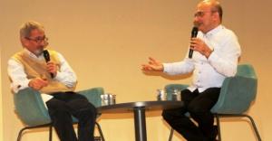 Ataşehir'de  Pazar Sohbetleri'nin konuğu Kadir İncesu oldu.