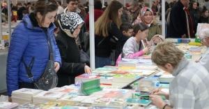 CNR milyonlarca kitabı okuyucuyla buluşturdu