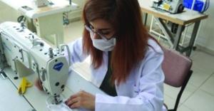 Meslek liselerinde günde 10 bin maske üretiliyor