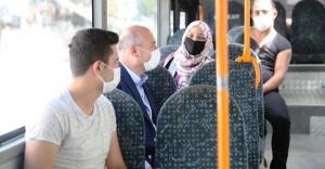 Soylu, halk otobüsüne binerek vatandaşları Kovid-19'a karşı uyardı
