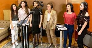 Türkiye'nin Mühendis Kızları Seslerini Artık Kendi Şarkılarıyla Duyuruyor!