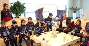 Ataşehir Belediyesi 23 Nisan için Çocuk Başkanları ağırladı