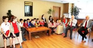 Öğrenciler Ataşehir Belediyesi'ni ziyaret ettiler