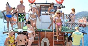 Rusya Türkiye'ye Gidecek Turiste Engel Oluyor