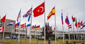 Almanya Savunma Bakanı: Türkiye NATO için önemli