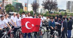 """Ataşehir'de  """"Gençlik Demokrasiye Pedallıyor"""" etkinliği gerçekleştirildi."""