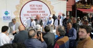 Beykoz'da  Başkan Çelikbilek'ten Aşure İkramı