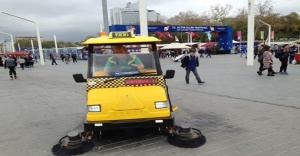 """Taksim Meydanı'nda """"Süpürge Taksi"""" dönemi"""