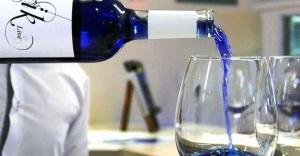 Dünyanın ilk mavi şarabı üretildi