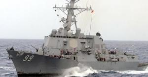 ABD, İran gemilerine ateş açtı