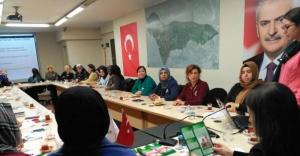 Ataşehir Kadın kolları kanserle mücadele için eğitimde