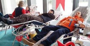 """""""Bir Damla, Bin Umut"""" deyip Kan Bağışladılar"""