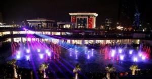 Watergarden Ataşehir'de  Sevgililer Günü'nde aşk şarkılı su şovu