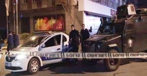 Ataşehir'de polis aracına  ateş açıldı