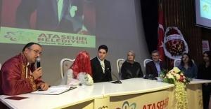 Bakan Kaya, Ataşehir'de 15 Temmuz gazisinin nikah şahidi oldu