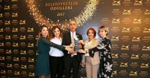 """ATAŞEHİR'E """"MOBİL HAVA ÖLÇER"""" ÖDÜLÜ"""