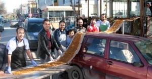 Ataşehir'li ustadan 34 metrelik lahmacun