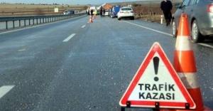 Ataşehir'de Trafik Kazası Açıklaması 2 Yaralı