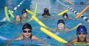 Ataşehir'de Çocuklar için yüzme havuzu faaliyette