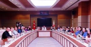Öğrencilerden Dilekçe Komisyonu Başkanı Satır'a Ziyaret