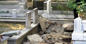 Ataşehir İçerenköy mezarlığında hırsızlara suçüstü