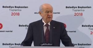 Devlet Bahçeli, İstanbul, İzmir ve Ankara'da aday çıkarmayacak.