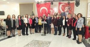 CHP Ataşehir Kadın Kolları Başkanlığı'ndan moral gecesi