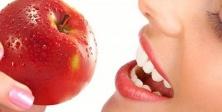 Diş Sağlığımızda Beslenmemize Dikkat Etmeliyiz
