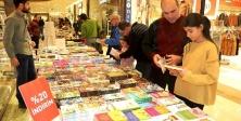 Ataşehir'de Binlerce çocuk tiyatro ve kitapla buluştu
