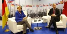 Merkel: Türkiye'nin acil yardıma ihtiyacı yok