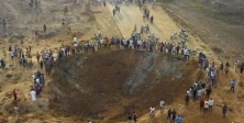 'Nijerya'da meteor düştü' iddiası: 100'den fazla bina yıkıldı