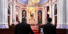İMAMOĞLU VE TÜRKMEN, HAÇI KOPARILAN KİLİSEYİ ZİYARET ETTİ