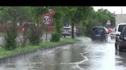 Bolu'da Sağanak yağış sel baskınlarına yol açtı