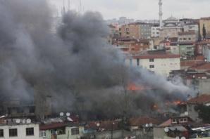 Ataşehir Mustafa Kemal'de Yangın
