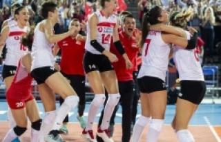 A Milli Kadın Voleybol Takımı finale yükseldi