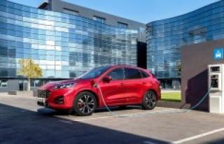 Ford, en yeni elektrikli ve hibrit araç modellerini...