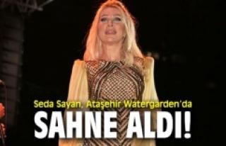 Seda Sayan, Ataşehir Watergarden'da sahne aldı