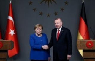 Cumhurbaşkanı Erdoğan, Merkel ile telefonda görüştü.