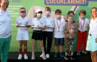 Ataşehir'de Golfçüler oynadı, çocuklar kazandı
