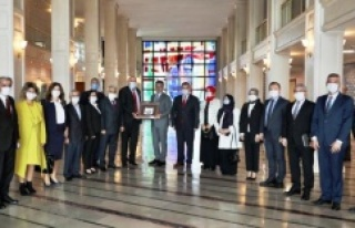 """İMAMOĞLU'NDAN MUHTARLARA """"ÖZEL BÜTÇEYE""""..."""