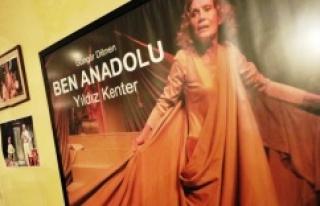 İBB'ye devredilen Kenter Tiyatrosu'nda aile fertleriyle...