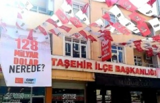 CHP Ataşehir'de '128 milyar dolar nerede?'...