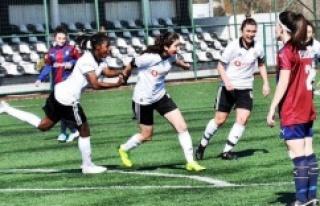 Oğuz Çetin: Kadın Futbol Ligi'nde keyifli...