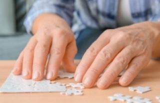 """""""Parkinson Hastalarını Beyin Pili Yaşama Bağlıyor"""""""