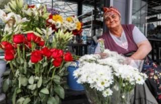 'TAKSİM ÇİÇEKÇİLERİ' DAHA UYGUN MEKÂNLARDA