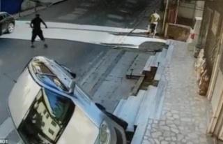 Ataşehir'de otomobil takla attı