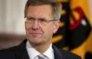 Almanya Cumhurbaşkanı Christian Wulff istifa etti.