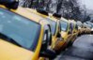 CHP'li Umut Oran'dan taksiciler için yasa teklifi
