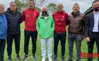 Oğuz Çetin ve Rüştü Reçber, Kadın futbol kulüp temsilcileriyle bir arada!