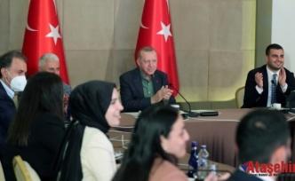 Cumhurbaşkanı Erdoğan: Hızlı bir aşılama takvimi yürütüyoruz, gayet iyi durumdayız